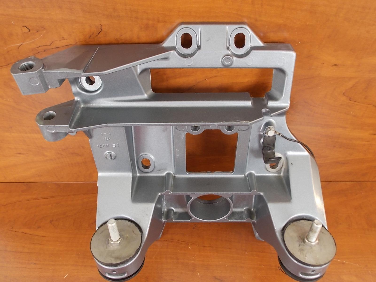 Yamaha Sterndrive 3 0 L4 Transom Plate Assy 6t4 00