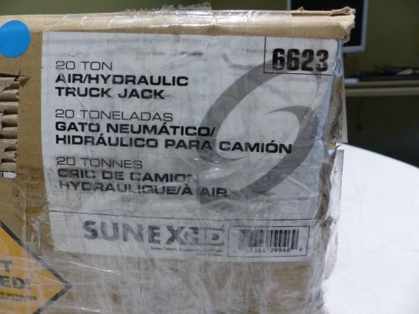 Sunex International 20 Ton Air Hydraulic Truck Jack 6623