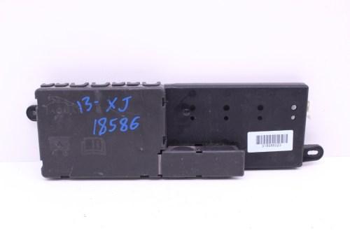 small resolution of 2011 2017 jaguar xj engine fuse junction box 318986023
