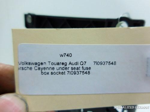 small resolution of volkswagen touareg audi q porsche cayenne under seat fuse box volkswagen touareg audi q7 porsche cayenne
