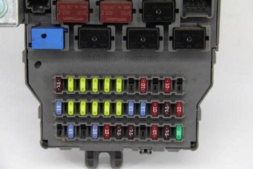 small resolution of honda odyssey touring under dash interior fuse box relay
