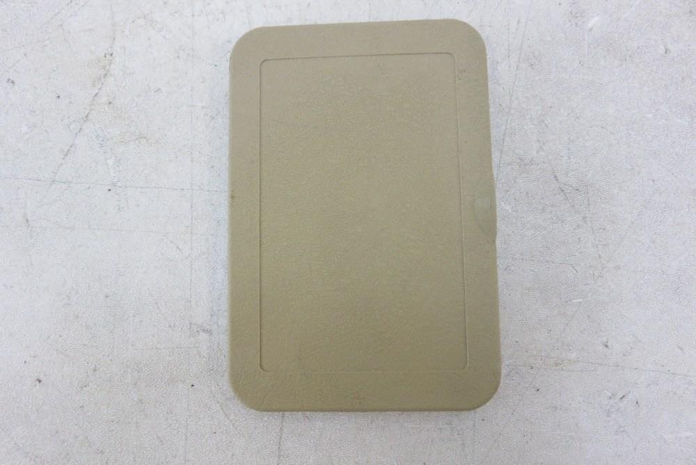 medium resolution of 89 mercedes r107 560sl 380sl trim fuse box cover beige passenger footwell