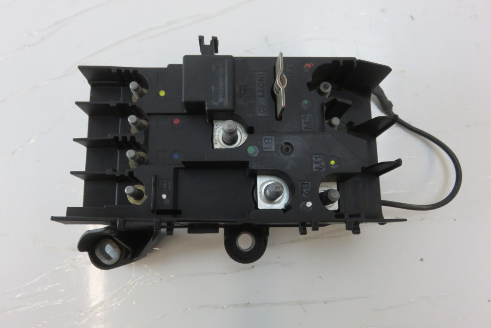 medium resolution of mercedes w222 s550 fuse box front engine bay 2225402350