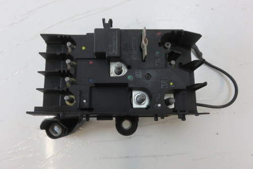 small resolution of mercedes w222 s550 fuse box front engine bay 2225402350