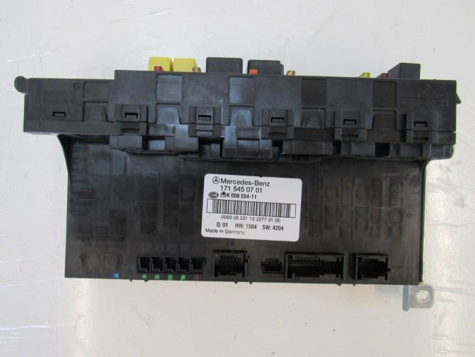 small resolution of 06 c230 fuse box diagram