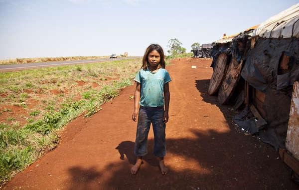 I Guarani hanno vissuto sul ciglio di una strada per dieci anni.
