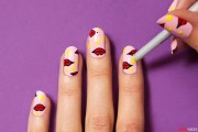 awesomely graphic manicure
