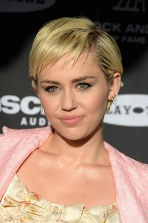 Short Hair Celebrity Haircuts - Styles