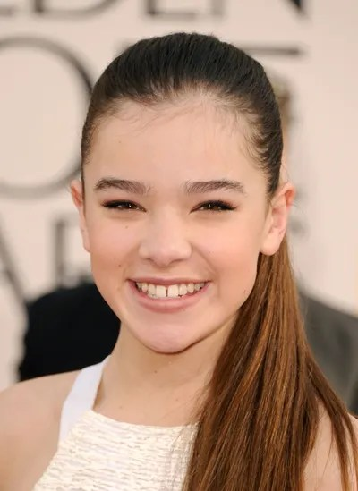 Hailee Scored Her Breakout Role In The 2010 True Grit And Hit Awards Circuit