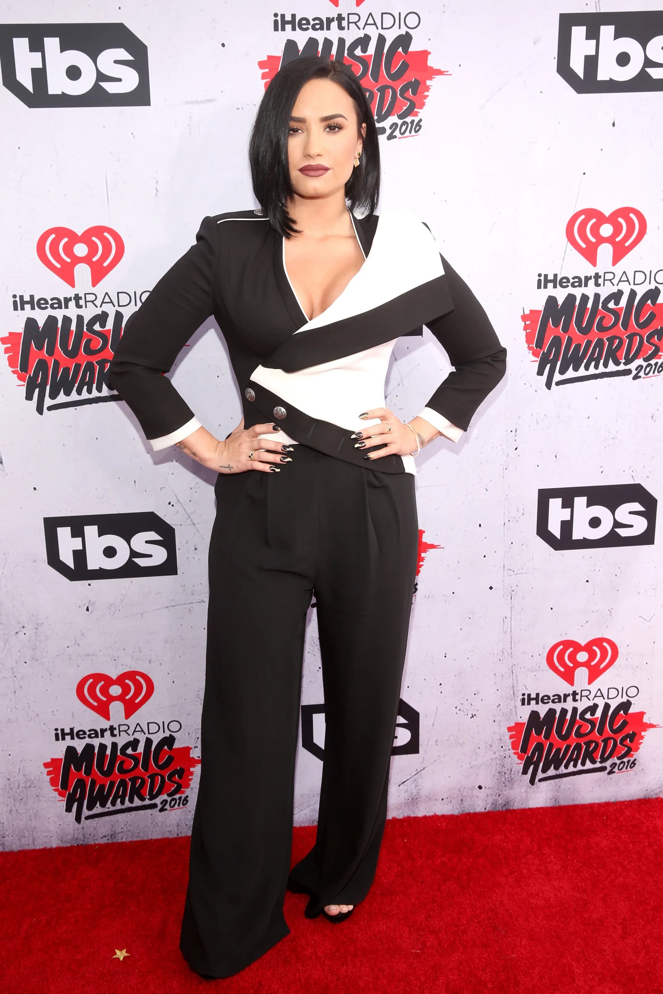 IHeart Radio Awards Best Dressed Best Outfits On Award