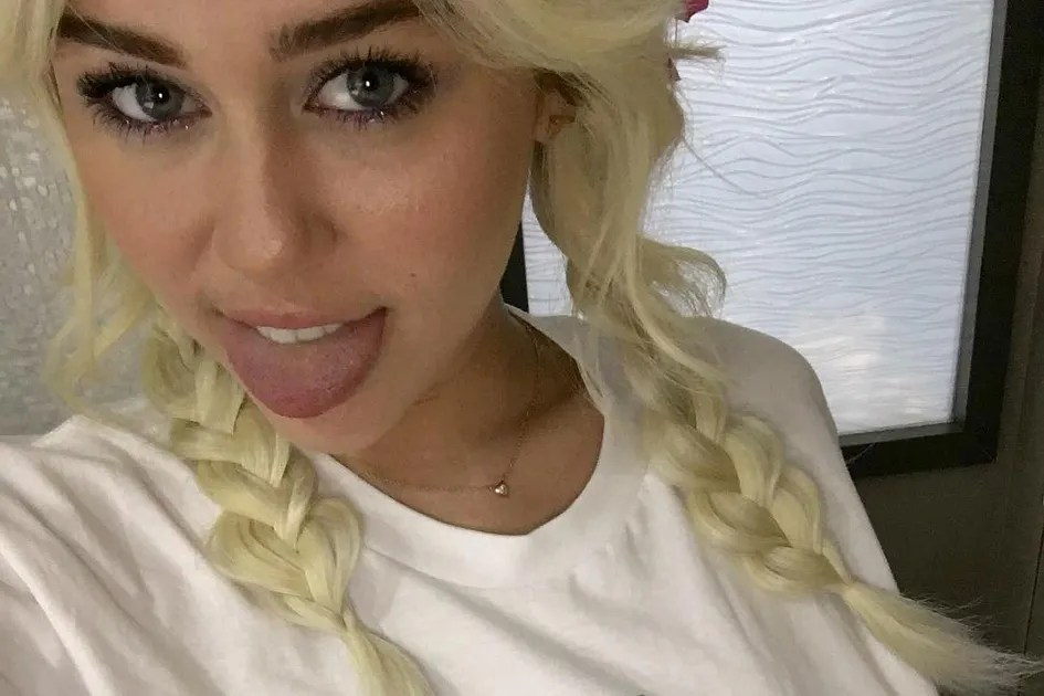Miley Cyrus Just Posted the Gayest Selfie Ever  Teen Vogue
