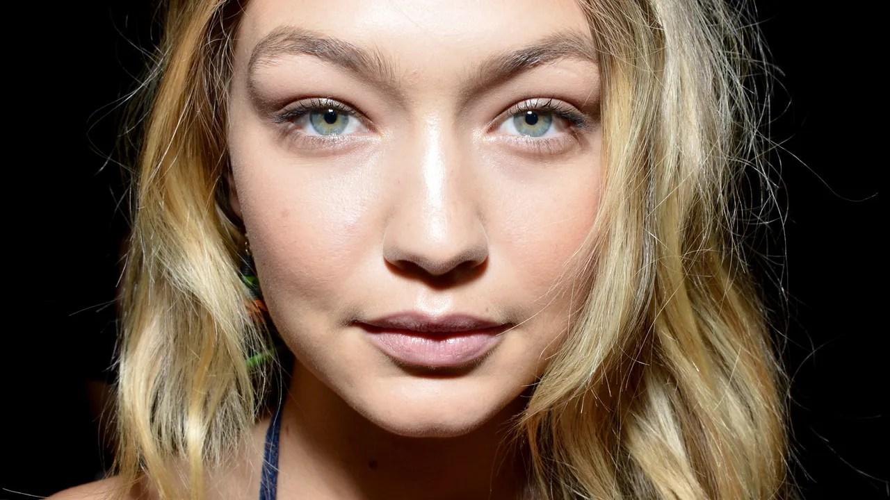 Gigi Hadid S Maybelline Rainbow Eye Makeup Teen Vogue