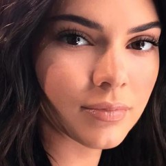 Beauty Salon Chair Parsons Chairs Target Kendall Jenner Gets A Haircut For Nyfw | Teen Vogue