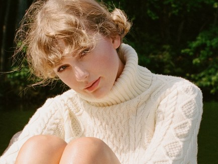 Taylor Swift becomes first solo artist to spend a year at #1 on BillBoard 200