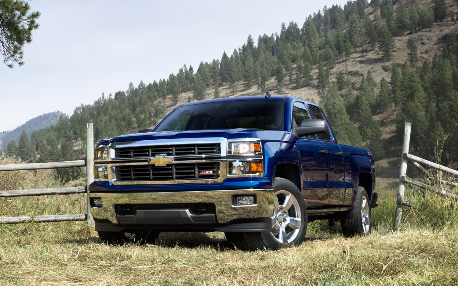 hight resolution of 2014 chevrolet silverado front three quarters