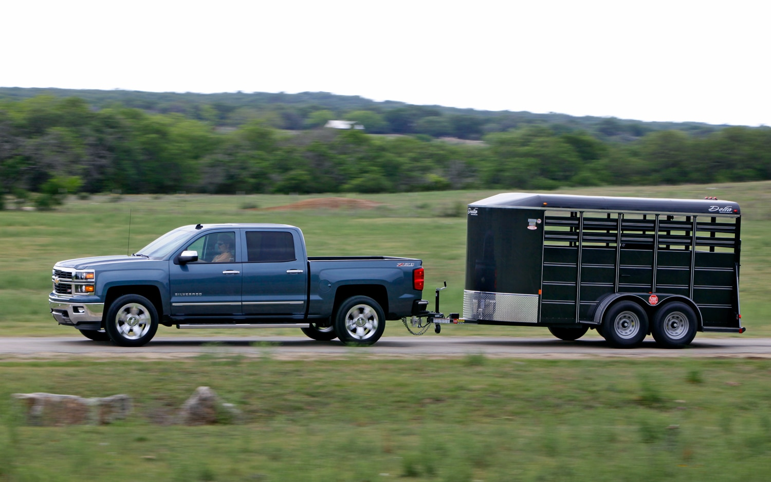 hight resolution of 2014 chevrolet silverado 1500 side view towing