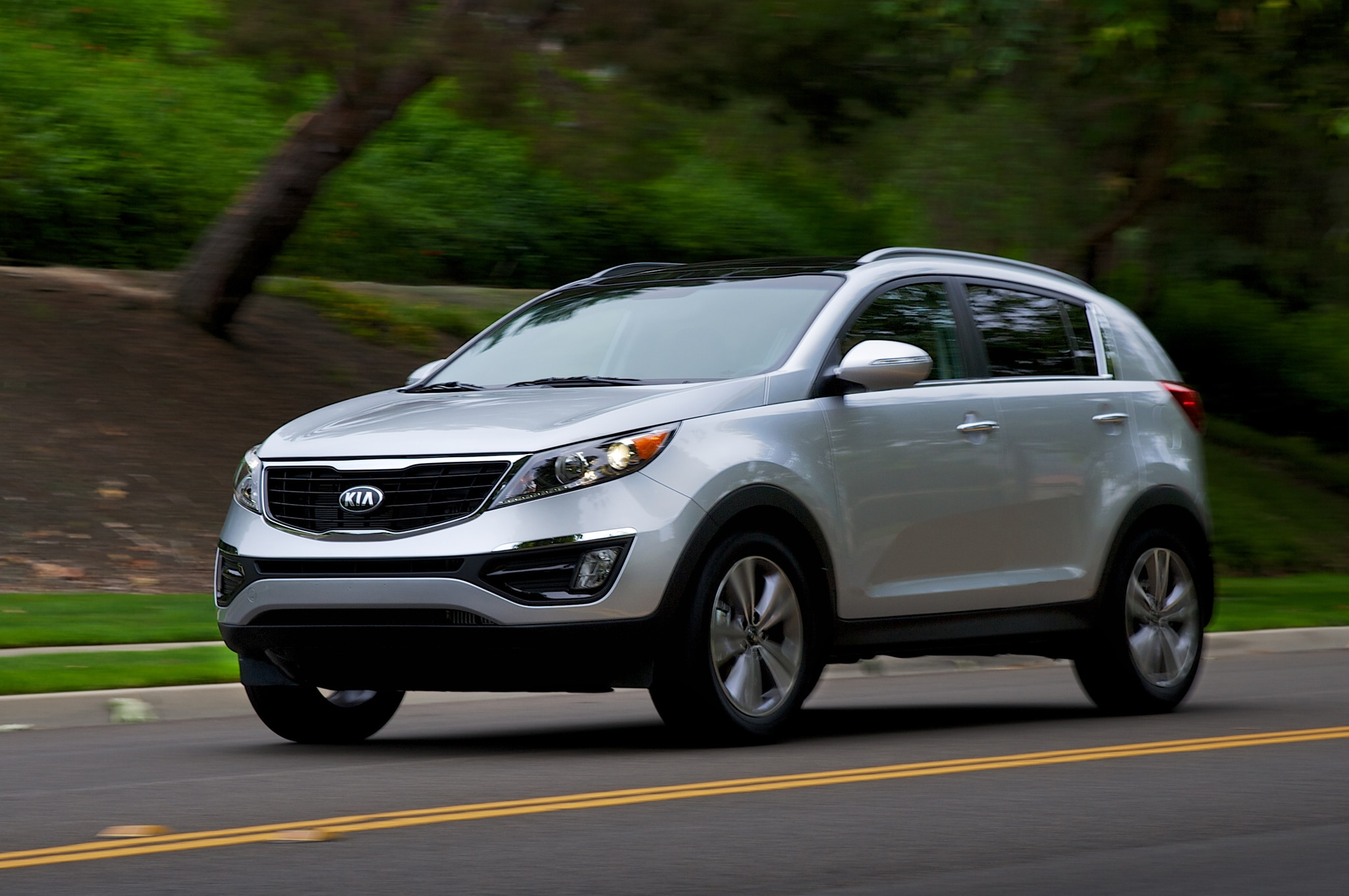 medium resolution of 2014 kia sportage gets new gdi engine detail changes truck trend2014 kia sportage gets new