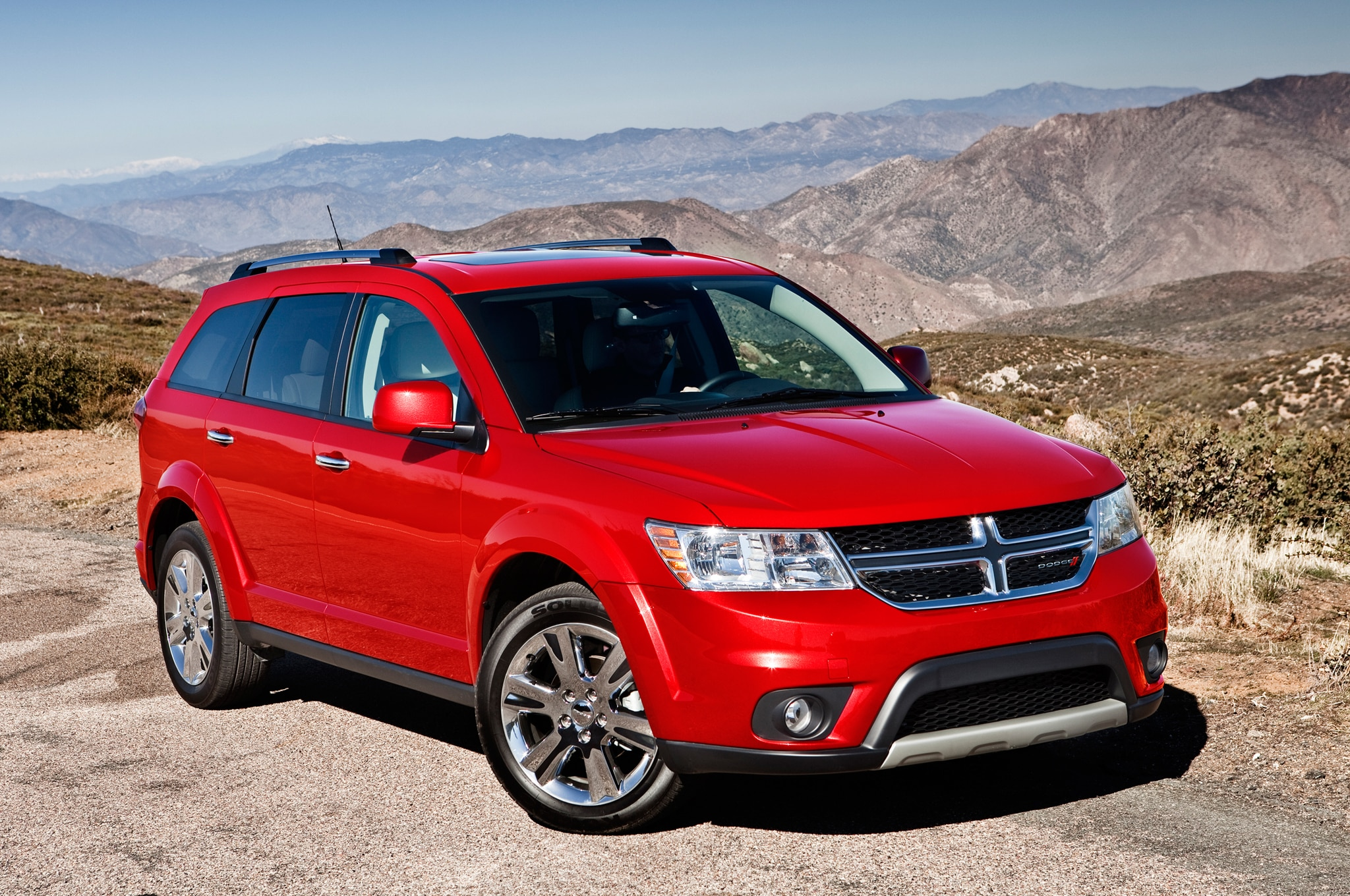 hight resolution of 2014 dodge journey front three quarters view