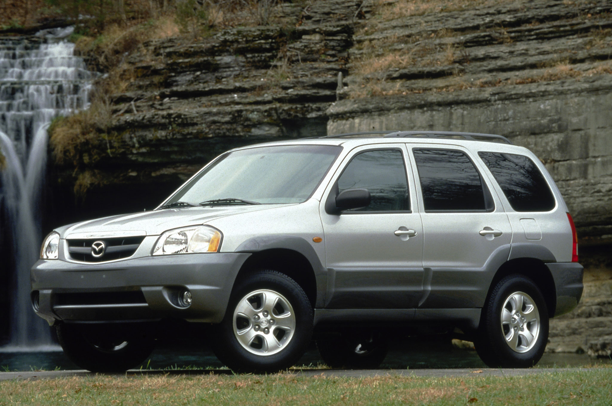 medium resolution of 2002 mazda tribute front angle