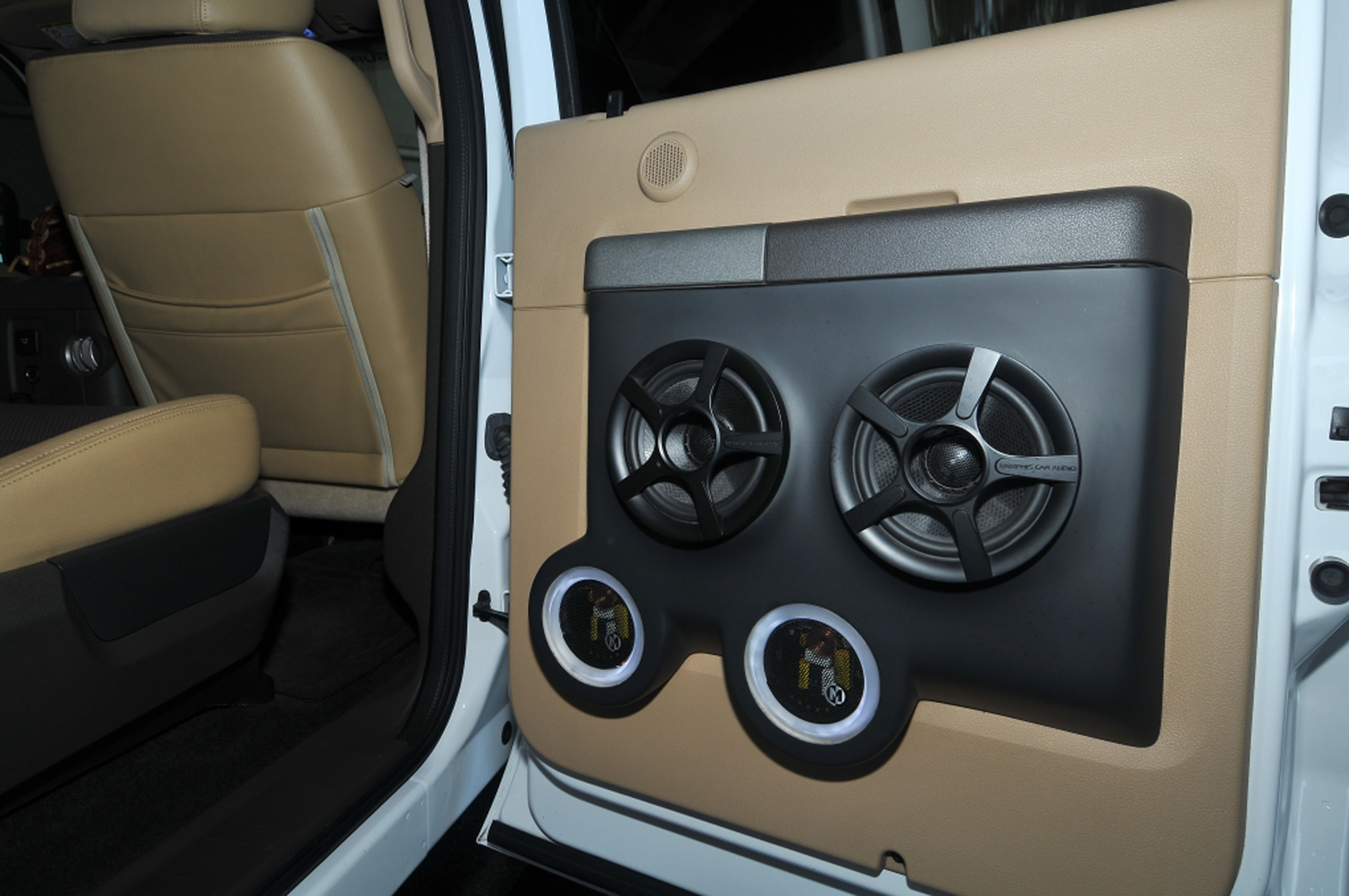 2011 ford f 350 super duty interior door panel [ 2048 x 1360 Pixel ]