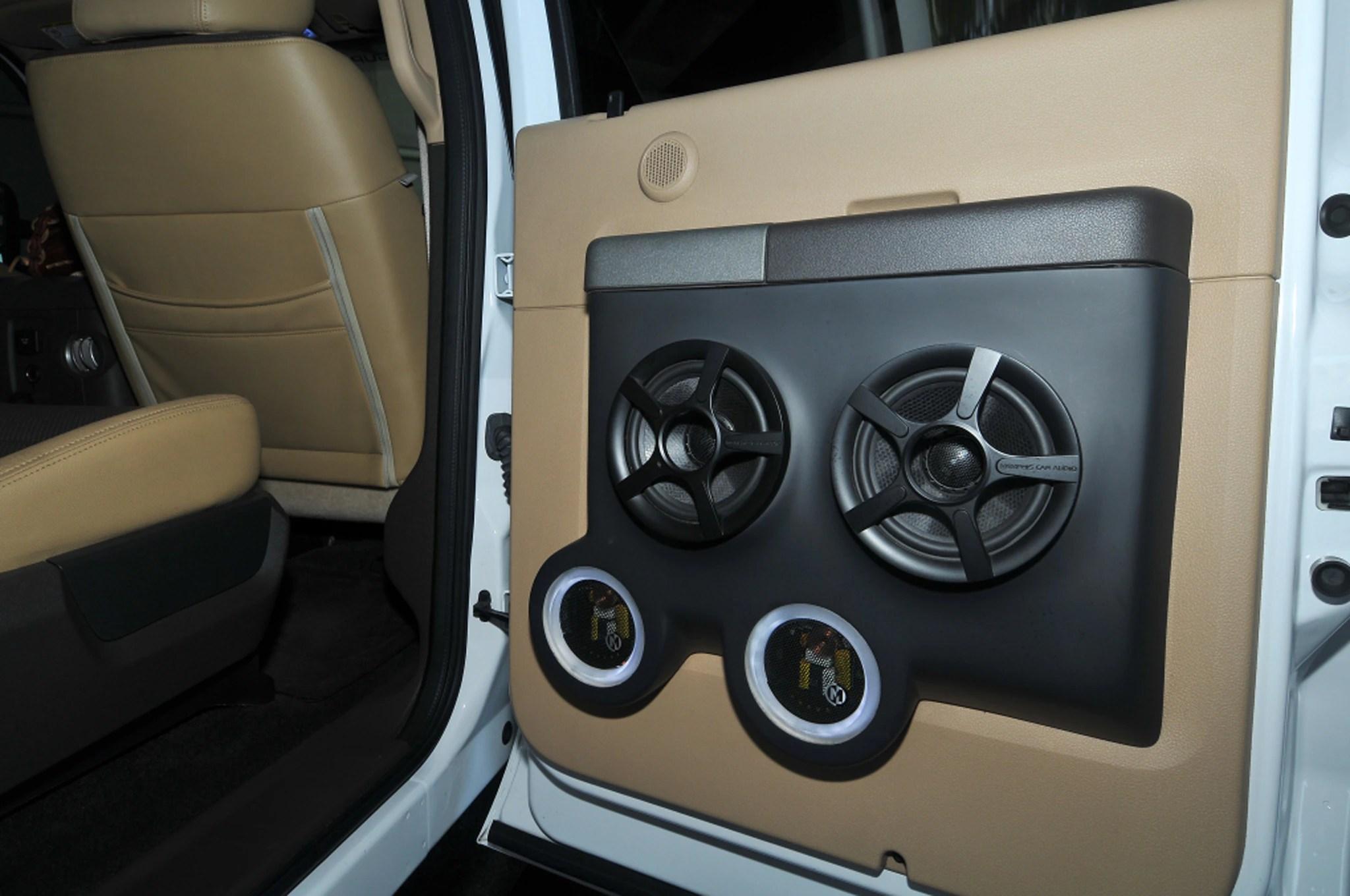 medium resolution of 2011 ford f 350 super duty interior door panel
