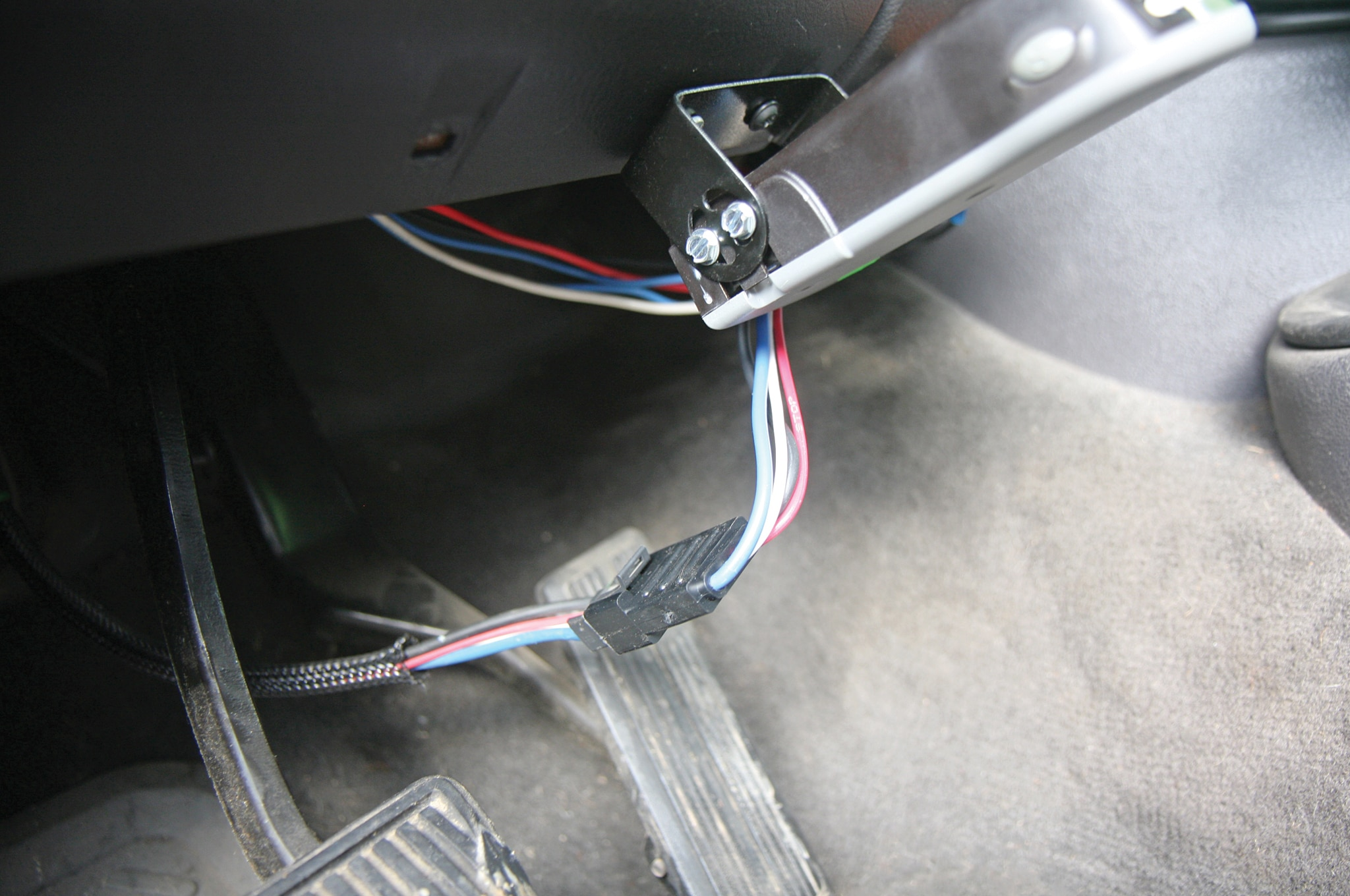husky towing products quest brake controller wiring view photo gallery 7 photos [ 2048 x 1360 Pixel ]