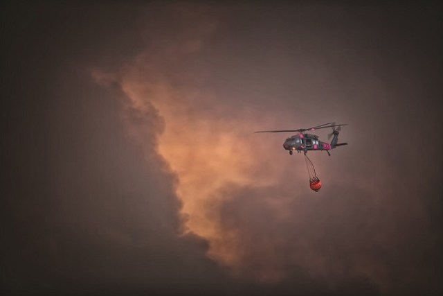 During the first weeks of the fire, smoke conditions severaly limited the access of aircraft to flame fronts. Greg Doyle Photo