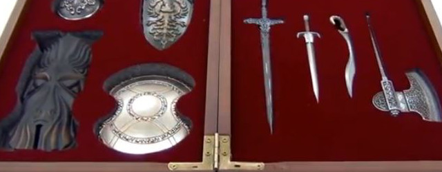 Dark Souls 2 Collectors Edition Gets Miniature Weapon Set