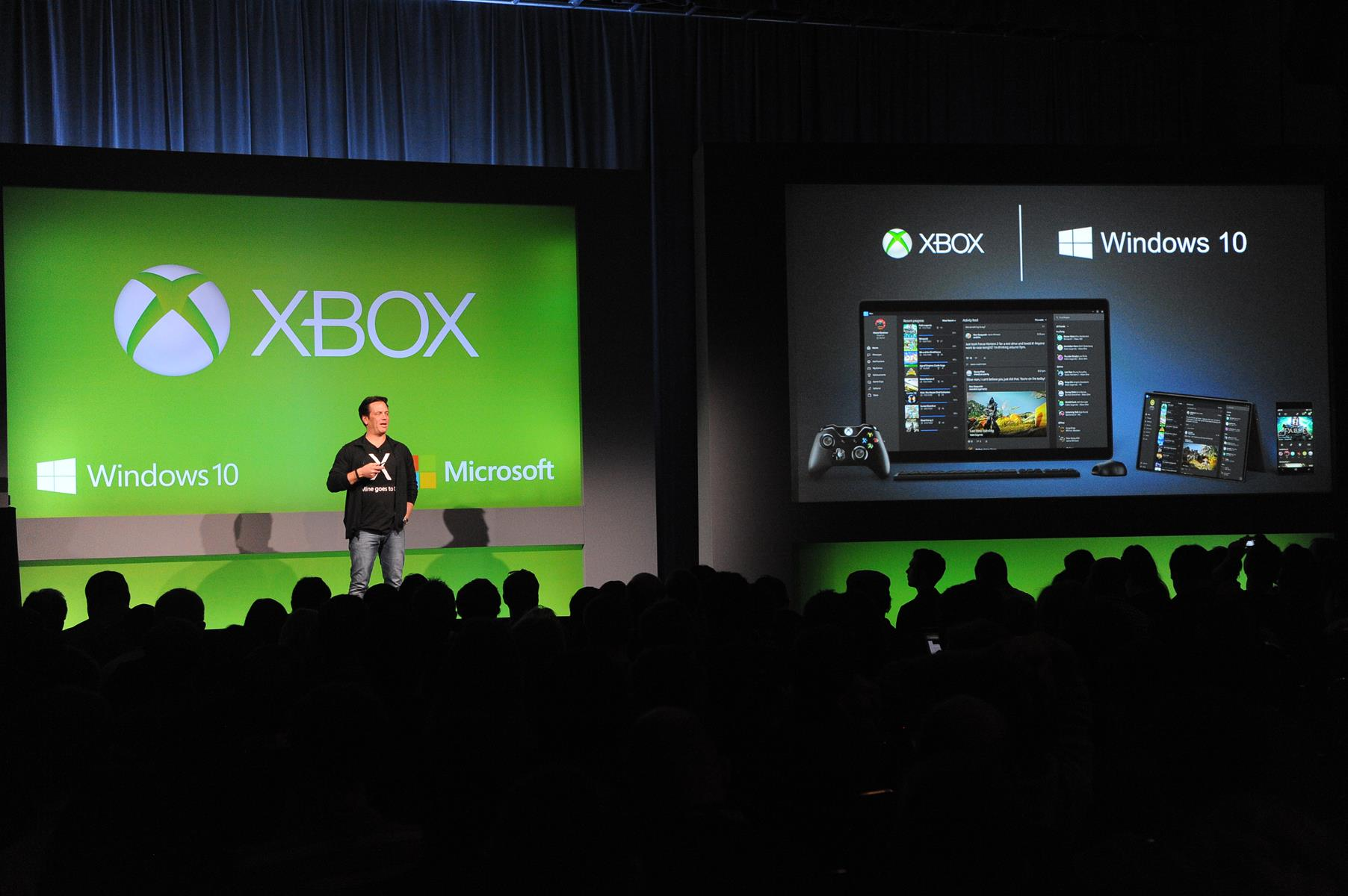 You wont need Xbox Live Gold to play online on Windows 10