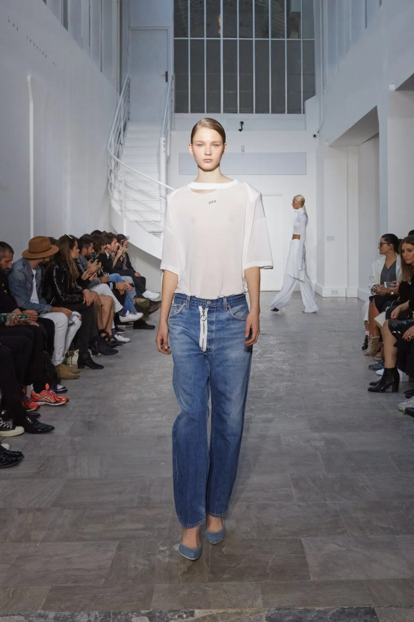 White Spring 2016 Ready-wear Collection - Vogue