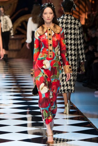Bildresultat för dolce gabbana fashion fw 2106