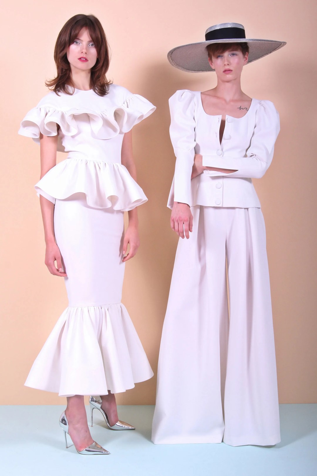 FULL COLLECTION: CHRISTIAN SIRIANO RESORT 2018 READY-TO-WEAR   #Runway #Fashion #Style #Couture #FashionWeek #RTW @CSirian o   via @FashionWeekPro ? FashionWeek.pro