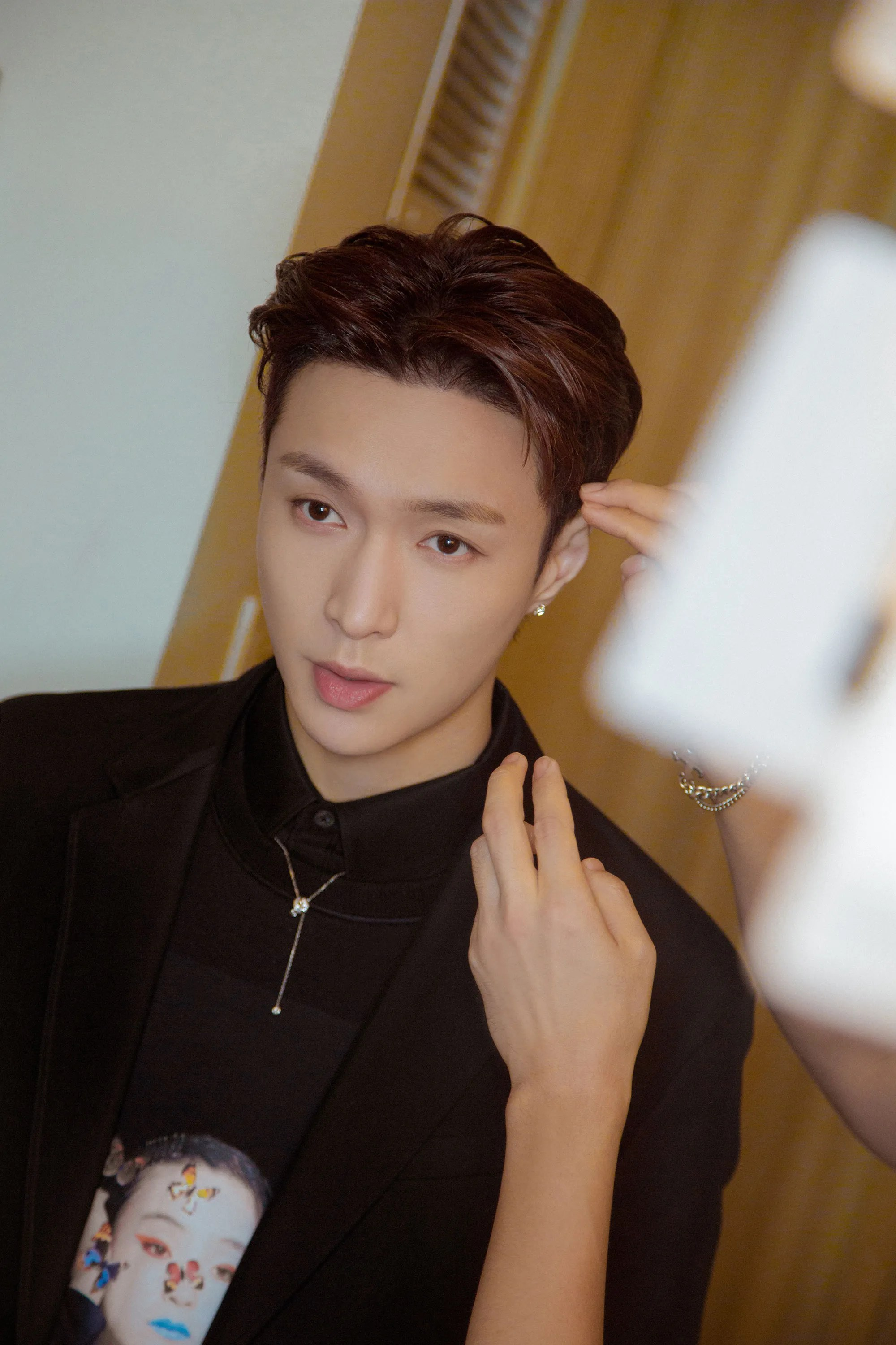 Chinese Pop Star Lay Zhang Goes Inside the 2019 Grammys - Vogue