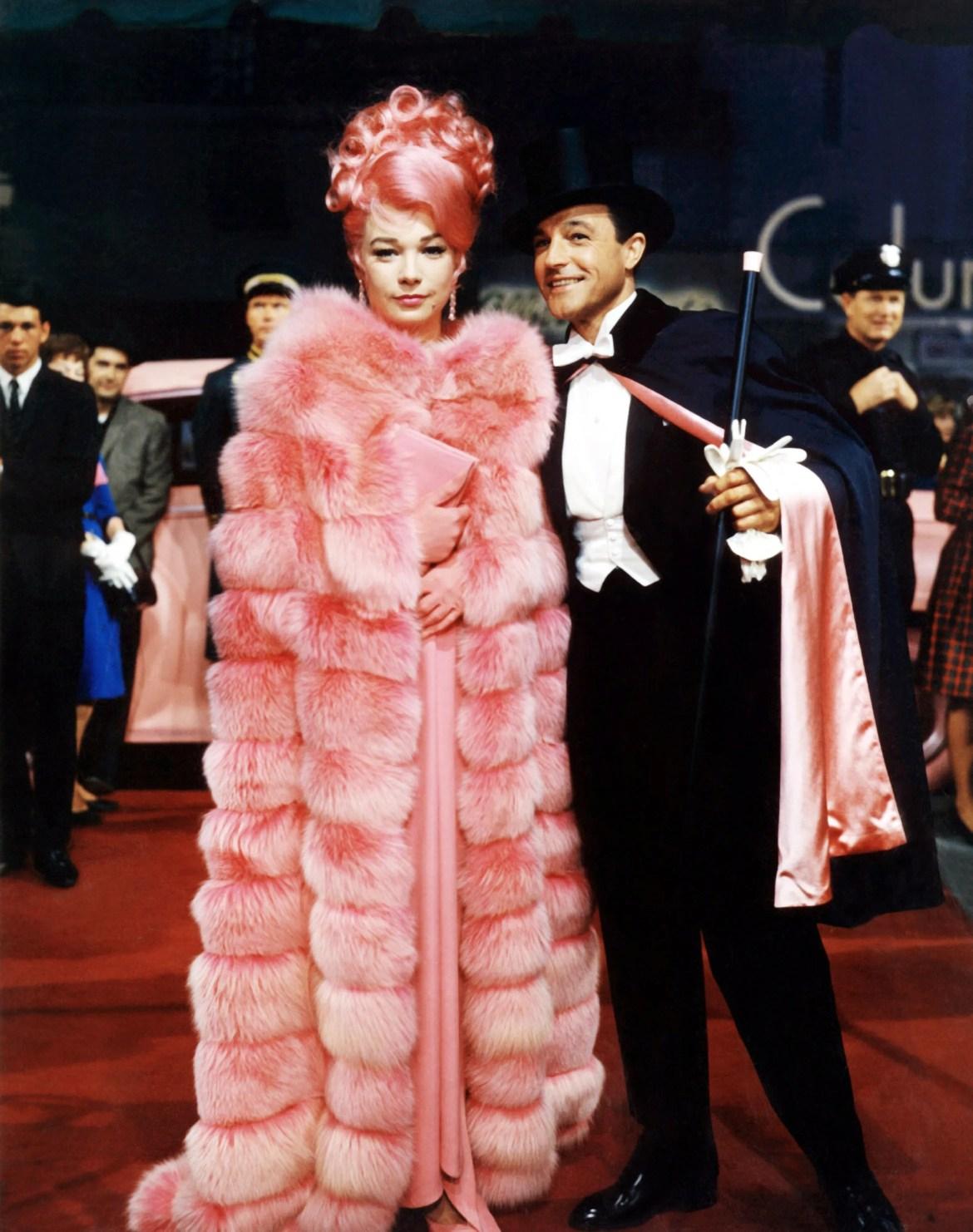 Cena de What a Way to Go! com Shirley McLaine e Gene Kelly, inspiração para o look de Lizzo.
