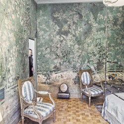 Where to Buy Wallpaper: Experts Explain How To Execute the 2020 Home Trend and What to Avoid Vogue
