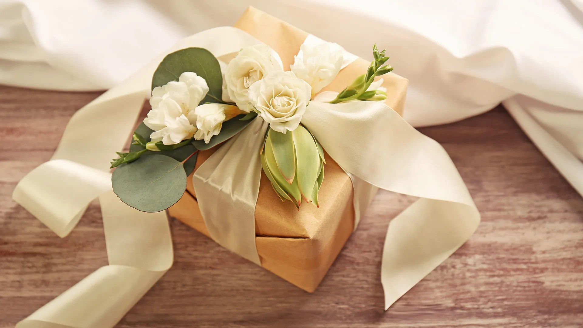 How To Choose The Perfect Wedding Gift For A Couple