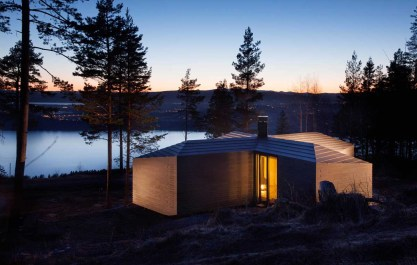 Norderhov Cabin in Norway by AtelierOslo | Yellowtrace