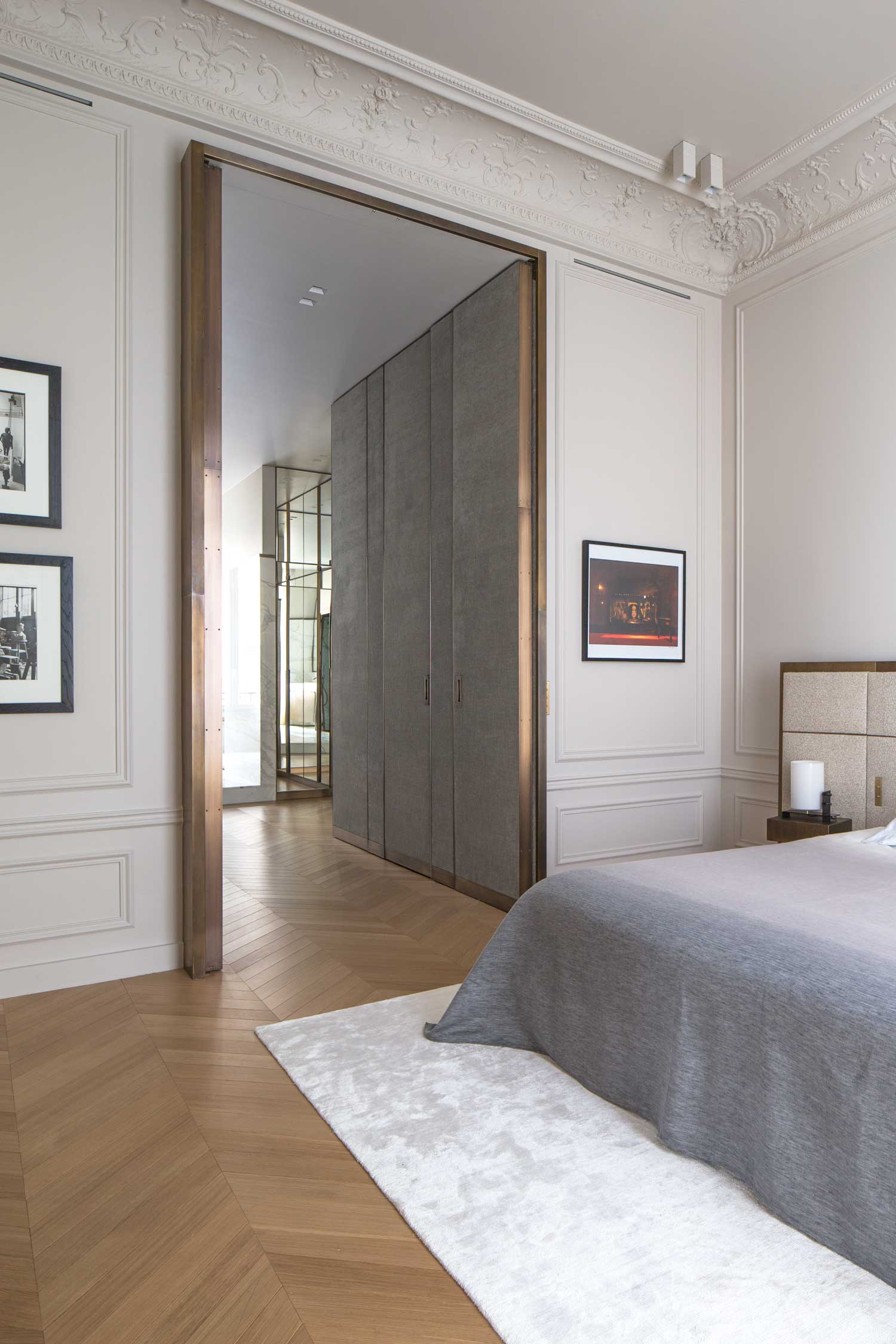 Apartment trocadero by rodolphe parente yellowtrace for Chambre de hotel france