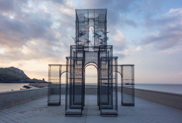'incipit' Wire Mesh Sculpture Edoardo Tresoldi