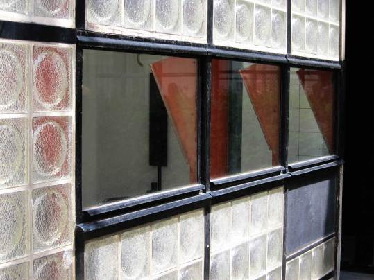 Maison de Verre, Paris by Pierre Chareau + Bernard Bijvoet, Image via The Daily Scan | Yellowtrace