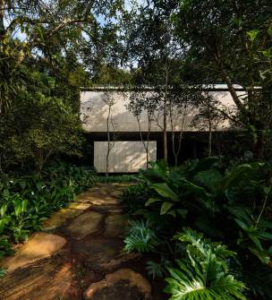 Jungle House (Casa na Mata) by Studio mk27 | Yellowtrace