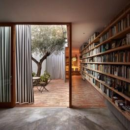 Ricart House by Gradolí & Sanz in Valencia, Spain | Yellowtrace