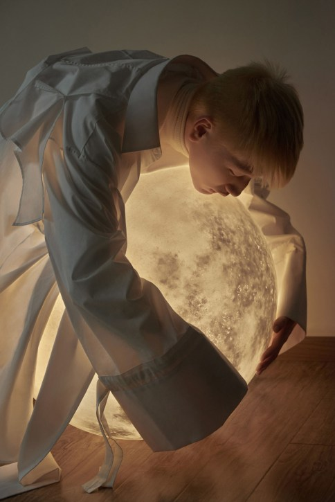 Found My Moon: Extraordinary Campaign Images for Acorn Studio's LUNA Lamp   Yellowtrace
