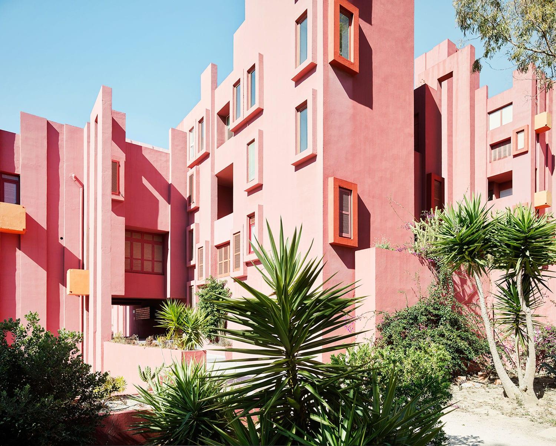 Ricardo Bofill\'s La Muralla Roja Housing Project in Spain   Yellowtrace