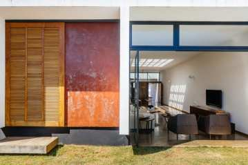 Ownerless House nº 01 in Avaré, Brazil by Vão   Yellowtrace