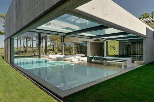 Swimming In The Air: The Wall House on Portuguese Riviera by Guedes Cruz Arquitectos | Yellowtrace