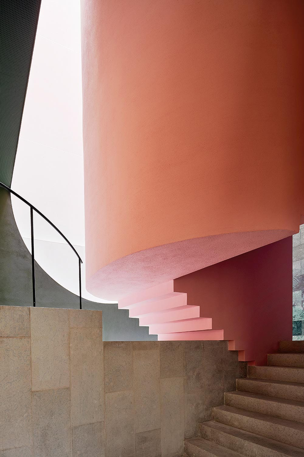 Jaw Dropping Apartment Building In Barcelona By MAIO