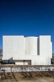 Alvaro Siza Vieira's New Church of Saint-Jacques de la Lande in Rennes, France | Yellowtrace