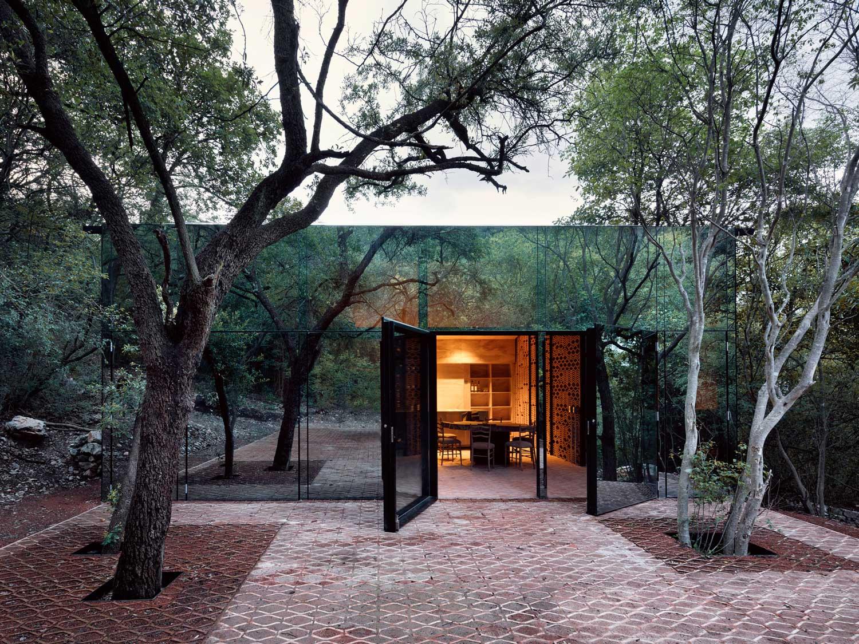 Holiday House In Monterrey Mexico By Tatiana Bilbao