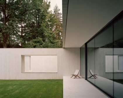 Villa Waalre in Eindhoven by Russell Jones | Yellowtrace